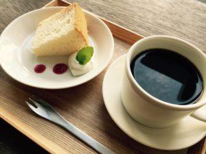 久米島マキノコーヒーとシフォンケーキのセット