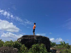 丘の頂上で記念撮影、無論一人なので・・・