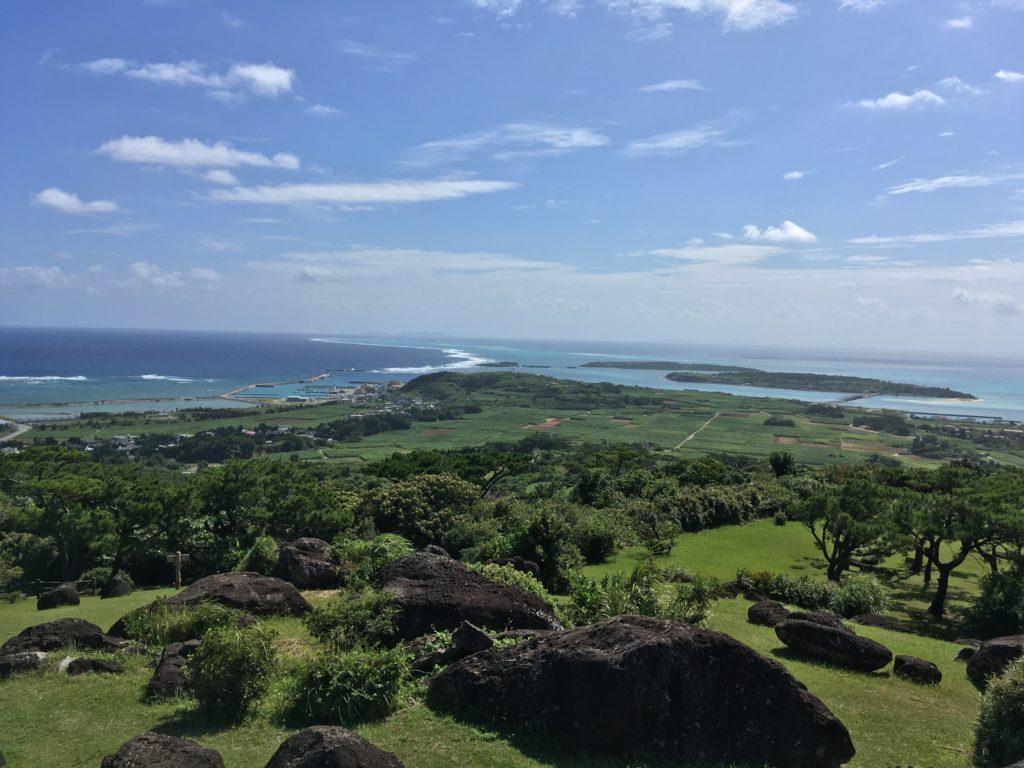 久米島登武那覇園地からの眺め