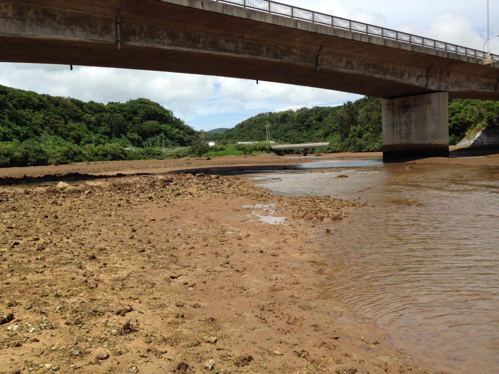 久米島白瀬川河口付近