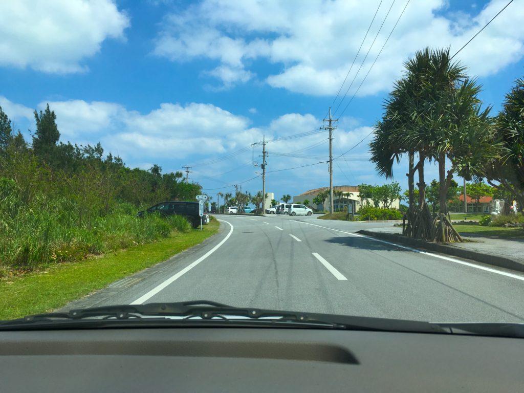オーハ島への途中経路、奥武島の海岸へ通じる道